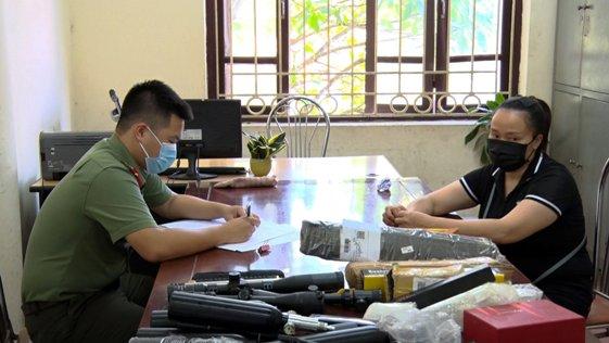 Đối tượng Nguyễn Thị Thương tại cơ quan Công an (1).jpg