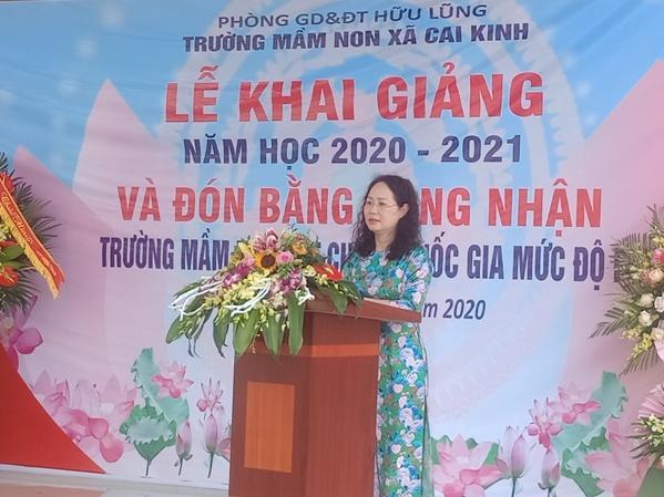 Đ.c Lâm Thị Phương Thanh, Bí thư tỉnh ủy phát biểu tại lễ khai giảng trường Mầm non xã Cai Kinh.jpg