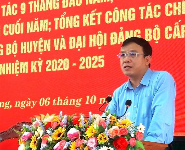 Đ.c Phan Hồng Tiên, Tỉnh ủy viên, Bí thư Huyện ủy phát biểu chỉ đạo tại hội nghị.jpg