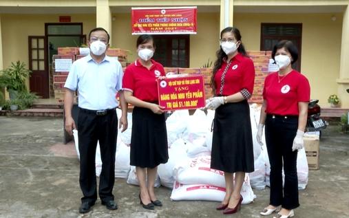 Hội chữ thập đỏ huyện tiếp nhận ủng hộ phòng chống dịch Covid -19 từ HCTĐ tỉnh Lạng Sơn.jpg