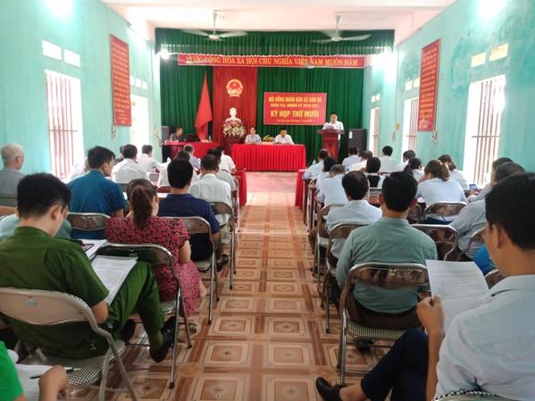Toàn cảnh kỳ họp thứ mười HĐND xã Sơn Hà.jpg